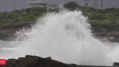 Photo of 태풍 찬투: 약해진 태풍 찬투가 접근함에 따라 대만은 항공편을 취소합니다.