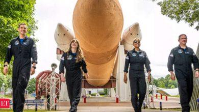 Photo of SpaceX, 최초의 민간인 우주선 발사 준비