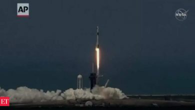 Photo of SpaceX, 최소한의 훈련으로 4명의 관광객을 궤도에 보낼 계획 – Economic Times Video